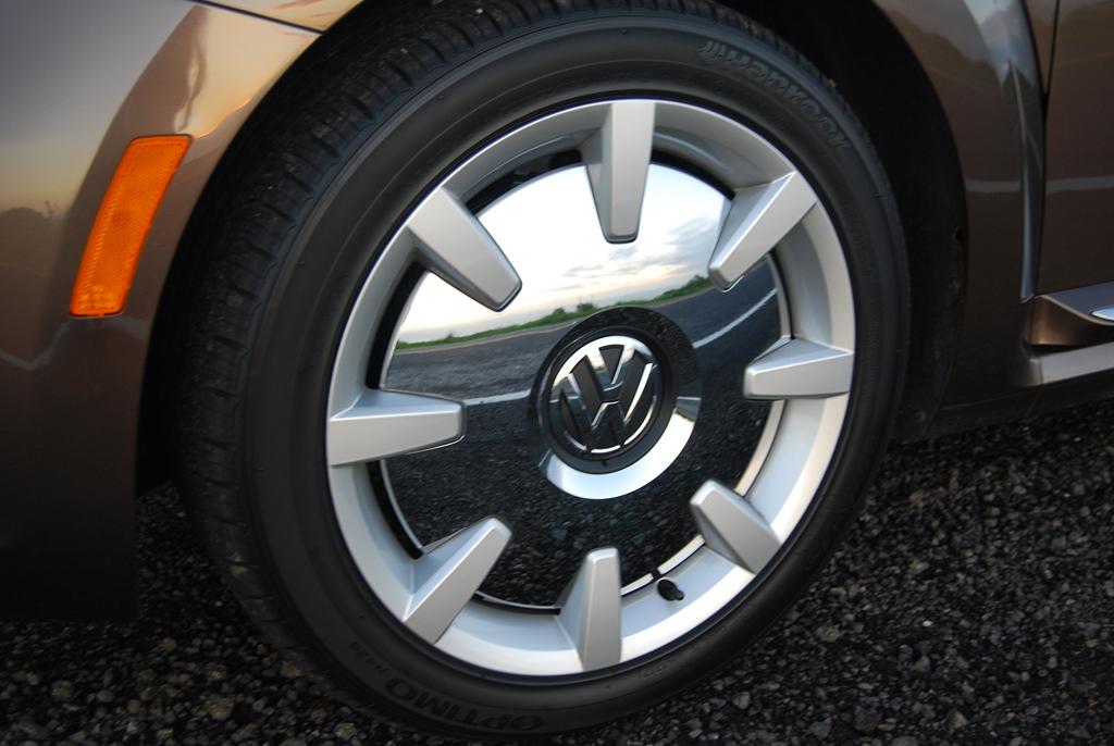 2013 Volkswagen Beetle Convertible '70s