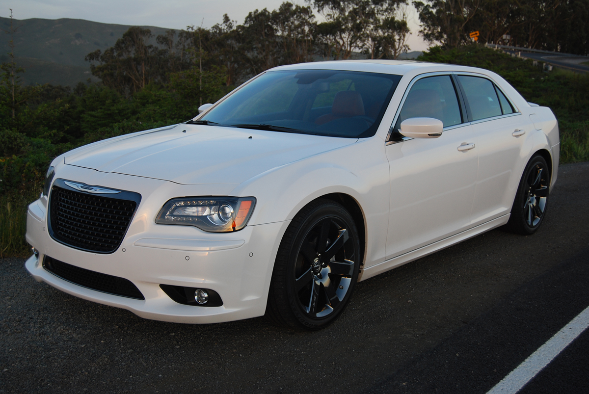 2013 chrysler 300 srt8 hp
