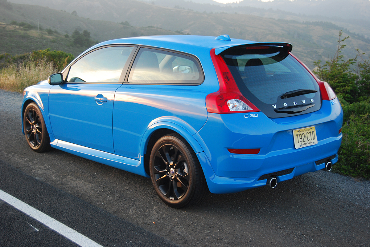 review 2013 volvo c30 t5 r design car reviews and news. Black Bedroom Furniture Sets. Home Design Ideas