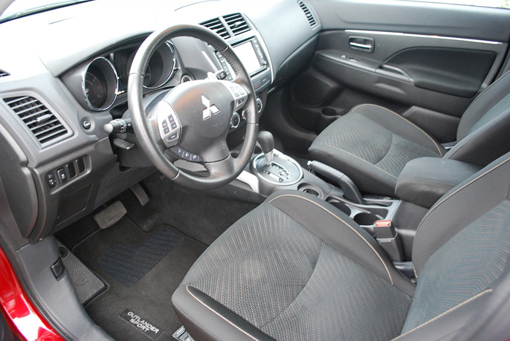2013 Mitsubishi Outlander Sport SE 2WD