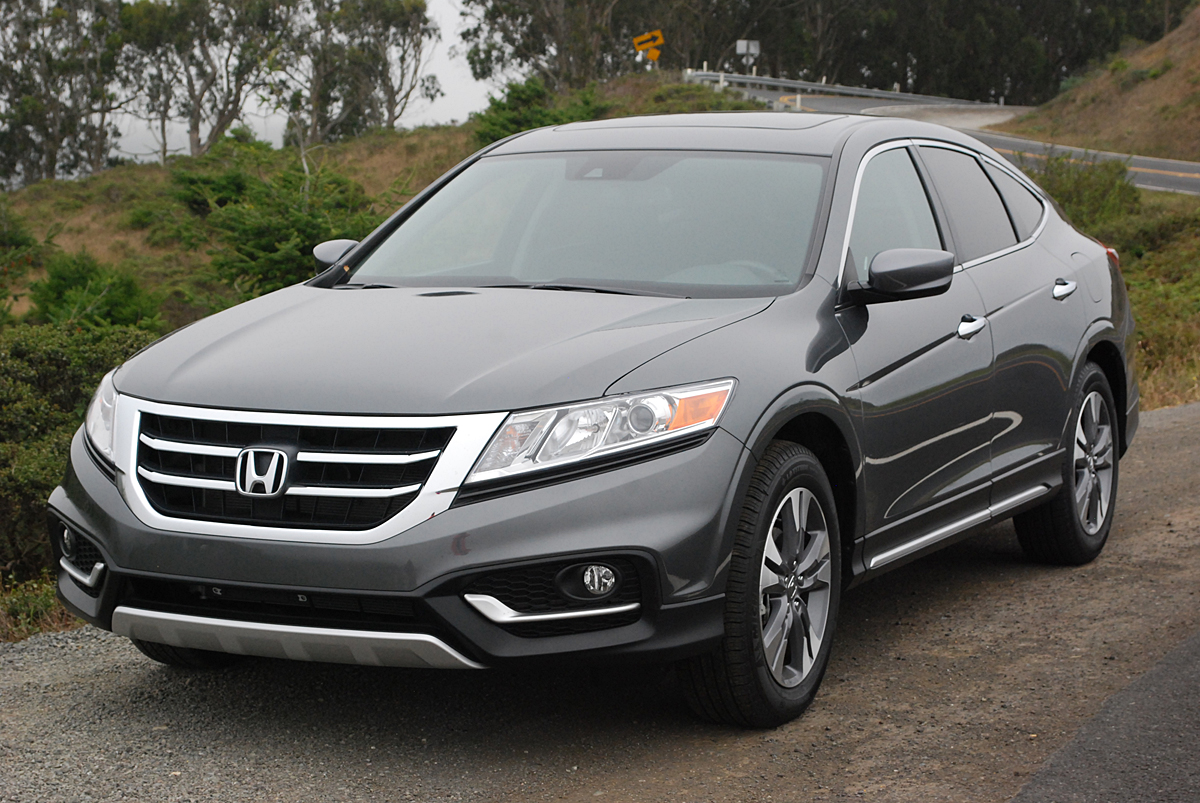 review 2013 honda crosstour ex fwd car reviews and news at. Black Bedroom Furniture Sets. Home Design Ideas