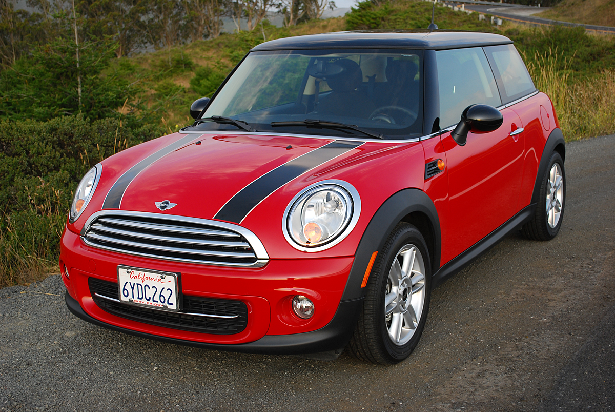 review 2013 mini cooper hardtop car reviews and news at. Black Bedroom Furniture Sets. Home Design Ideas