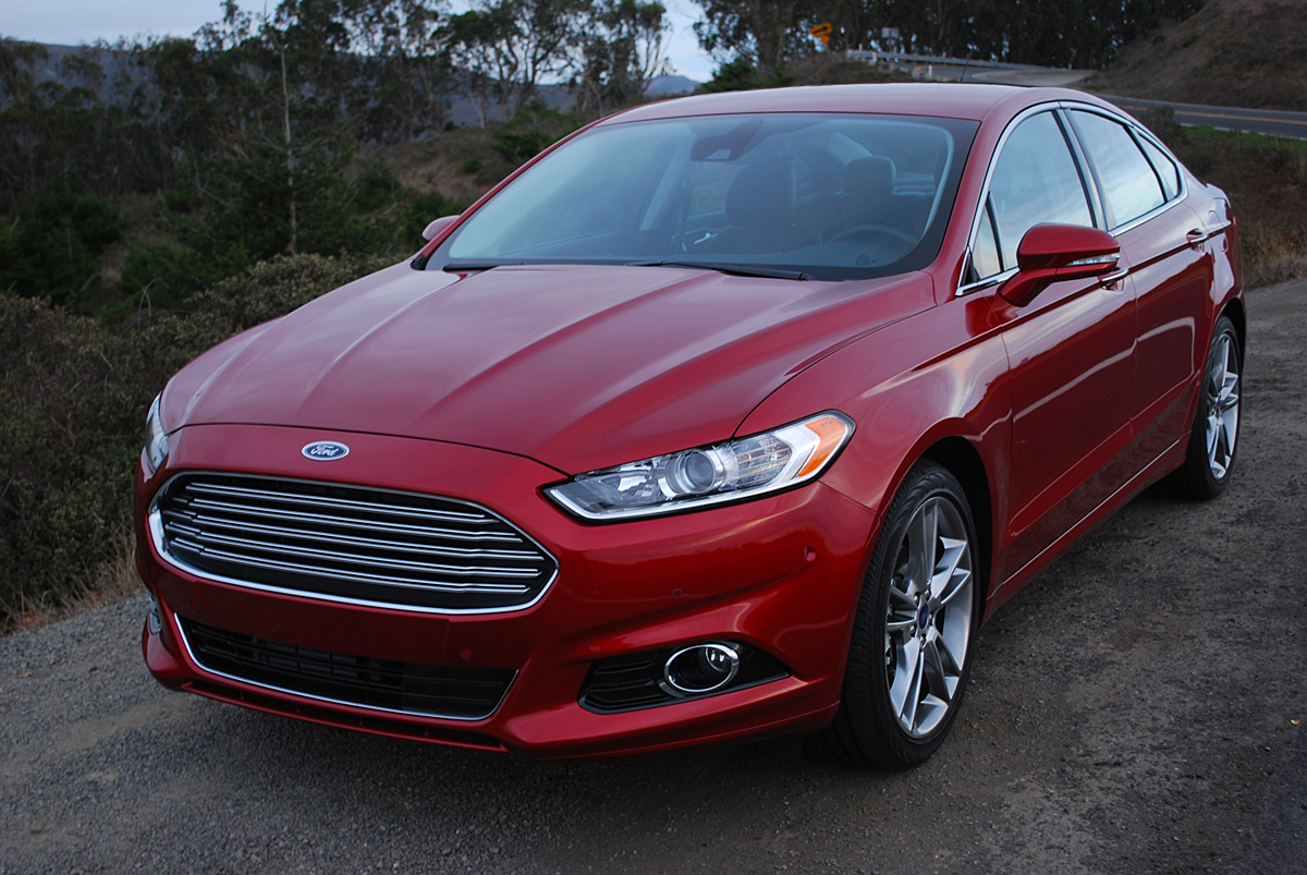 review 2013 ford fusion titanium awd car reviews and news at. Black Bedroom Furniture Sets. Home Design Ideas