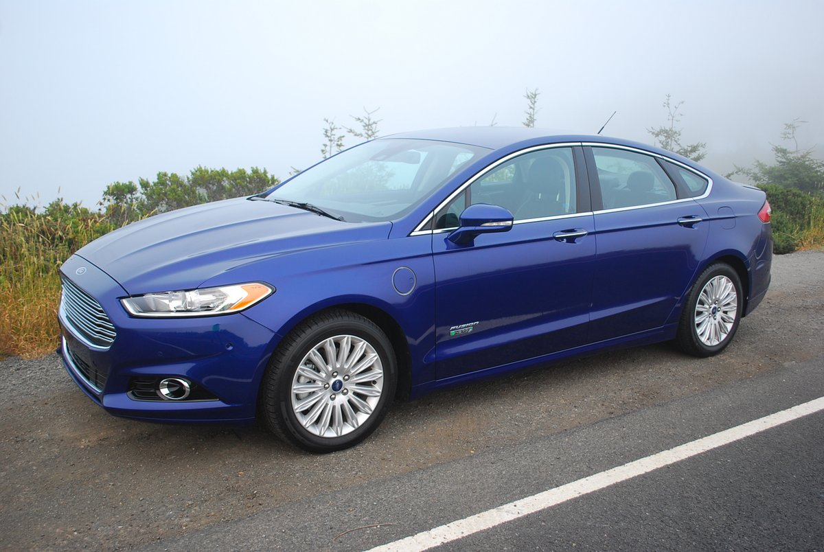 Review 2014 Ford Fusion Energi Titanium Car Reviews And