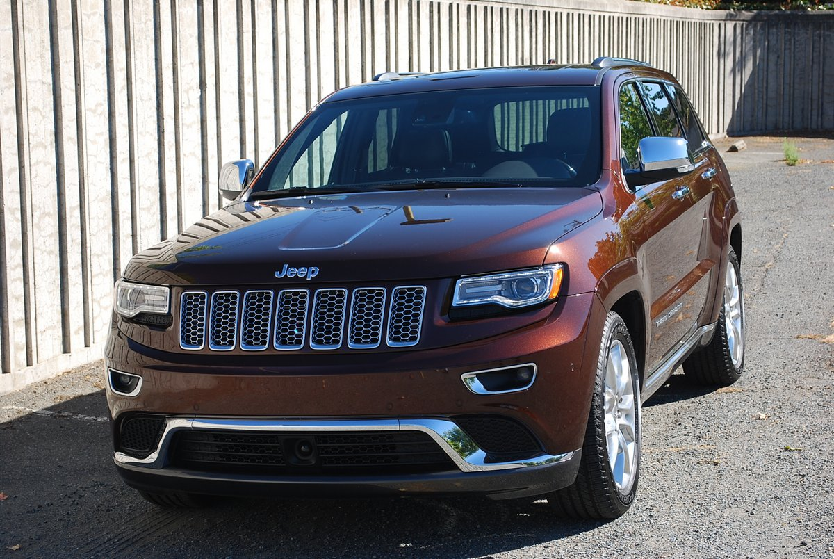 Superb 2014 Jeep Grand Cherokee Summit 4x4 Diesel
