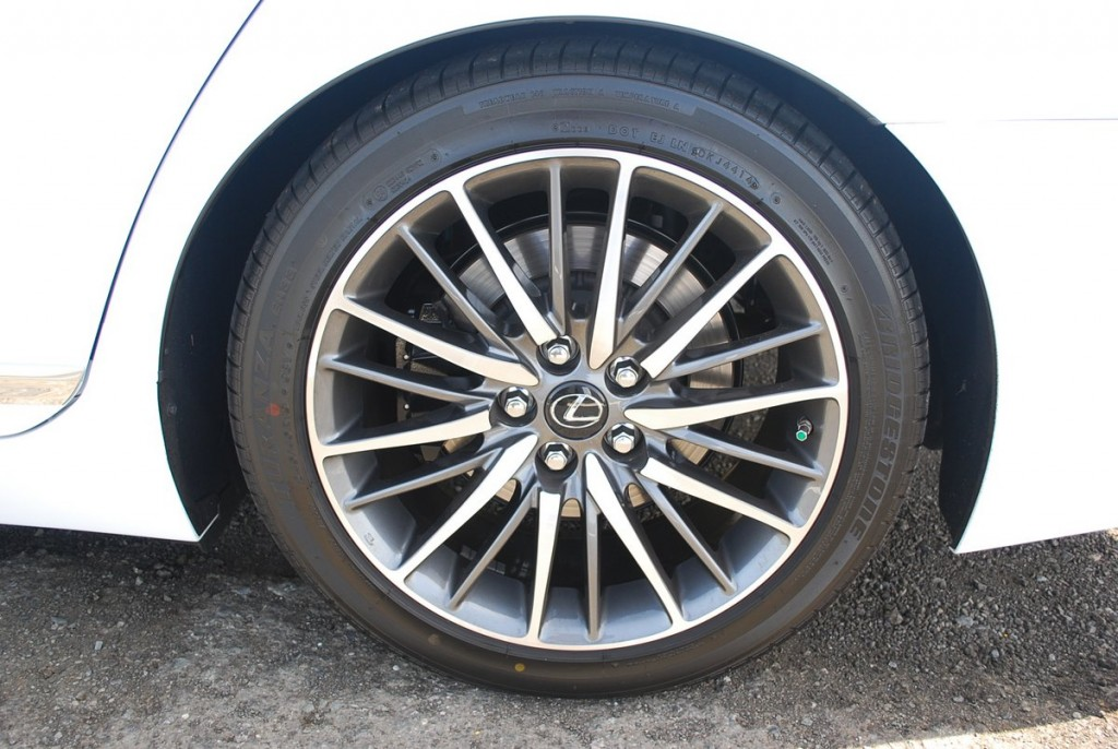 2015 Lexus LS460