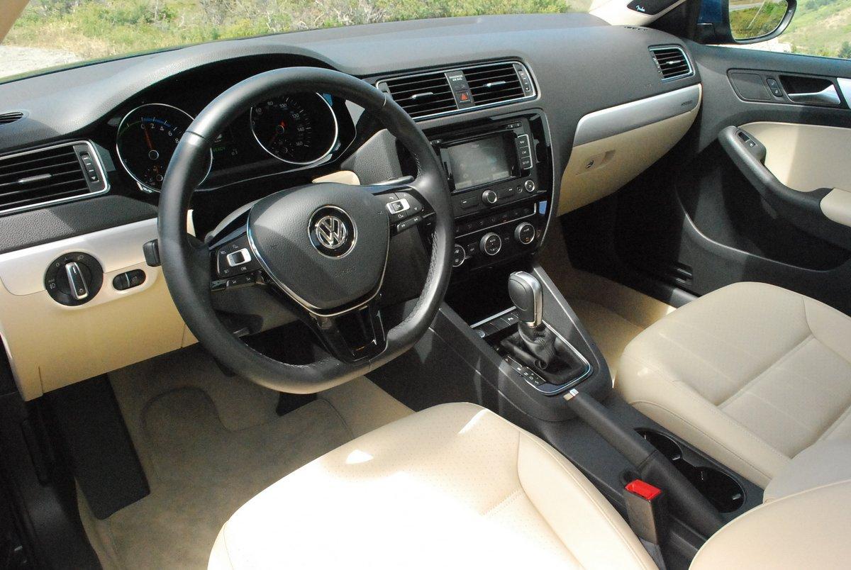 interior shootout volkswagen elantra octavia hyundai jetta skoda vs review