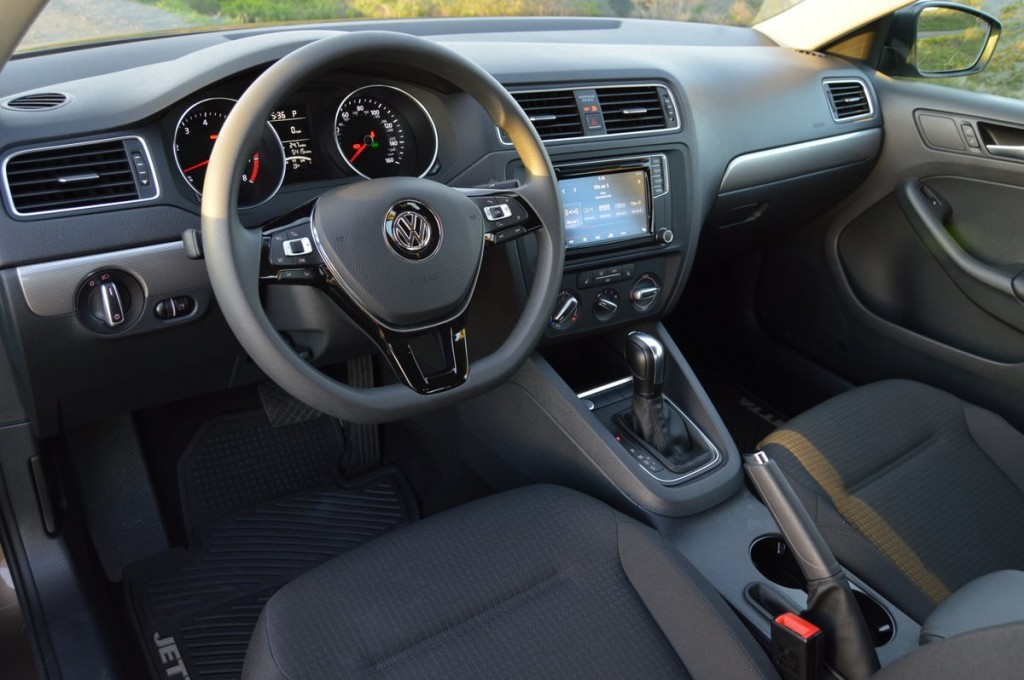 volkswagen jetta  se car reviews  news  carreviewcom