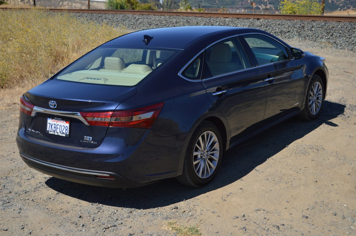 2016 Toyota Avalon Hybrid LTD