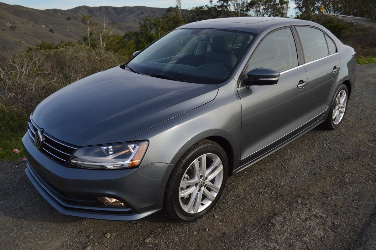2017 volkswagen jetta 1 8t sel premium review car reviews and news at. Black Bedroom Furniture Sets. Home Design Ideas