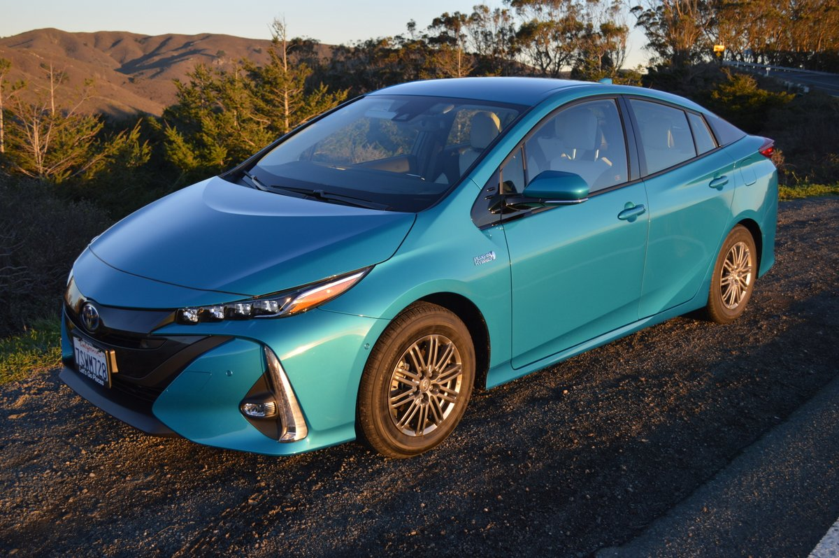 2017 toyota prius prime advanced review car reviews and news at. Black Bedroom Furniture Sets. Home Design Ideas
