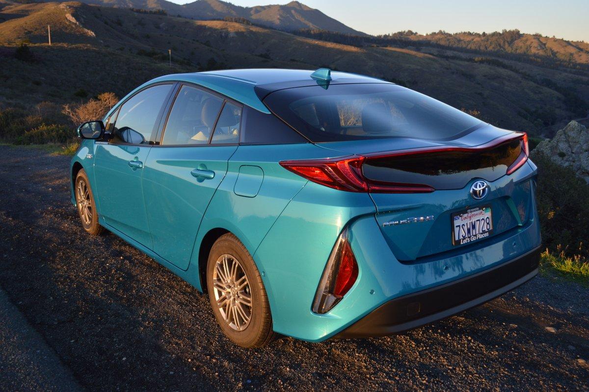 2017 Toyota Prius Price Advanced