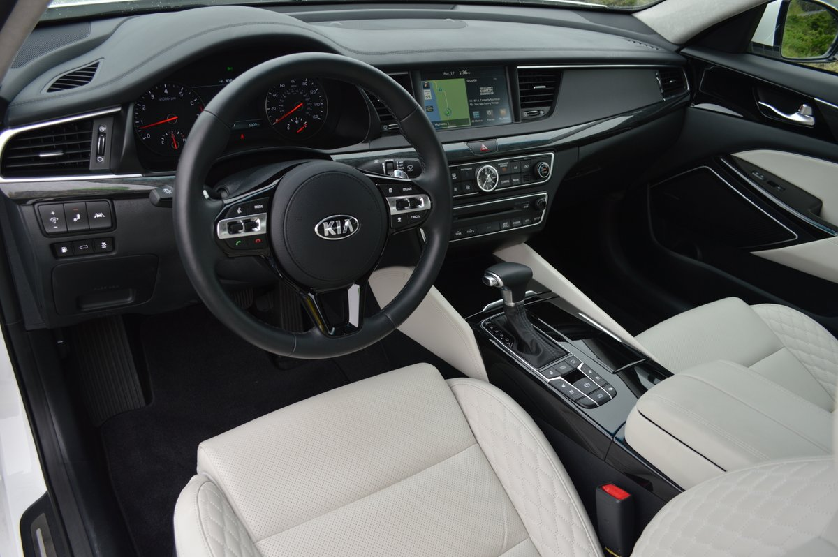 2017 kia cadenza limited review car reviews and news at for 2017 kia cadenza limited interior