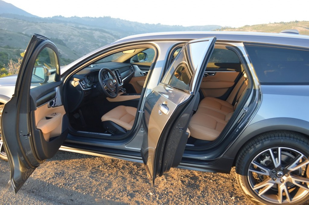 2017 Volvo V90 Cross Country T6 AWD
