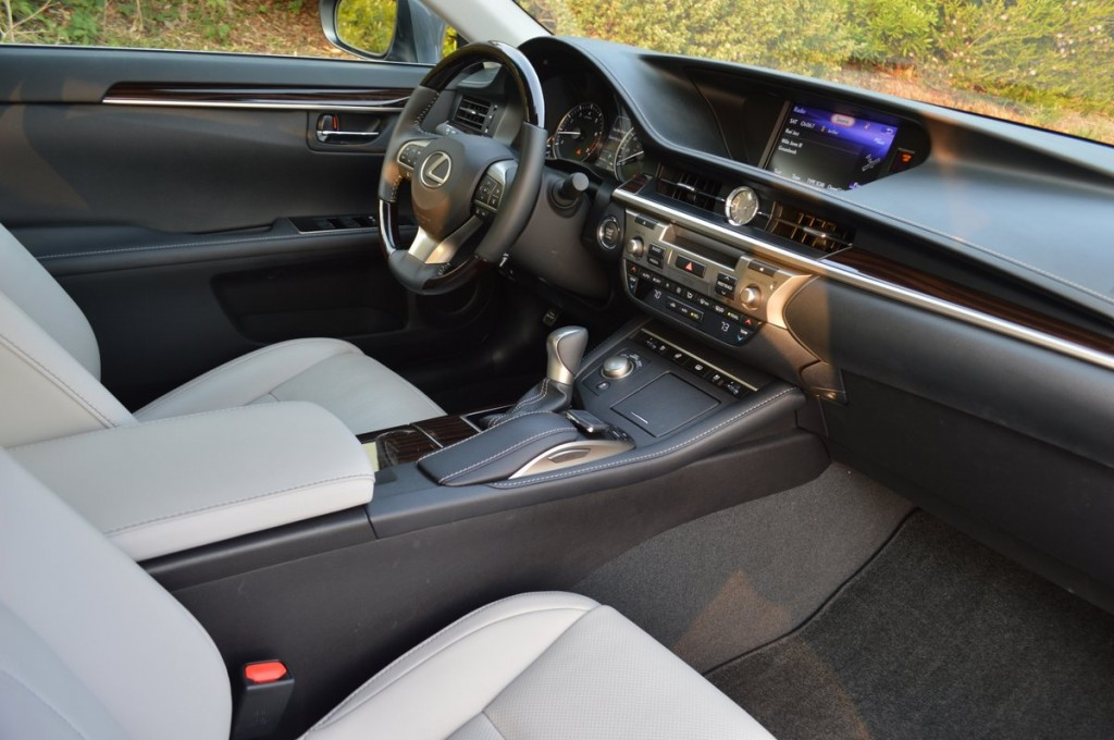 2017 Lexus ES350 4 Door Sedan