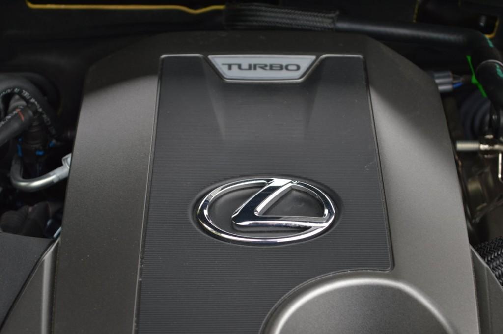 2017 Lexus GS200t 4-DR